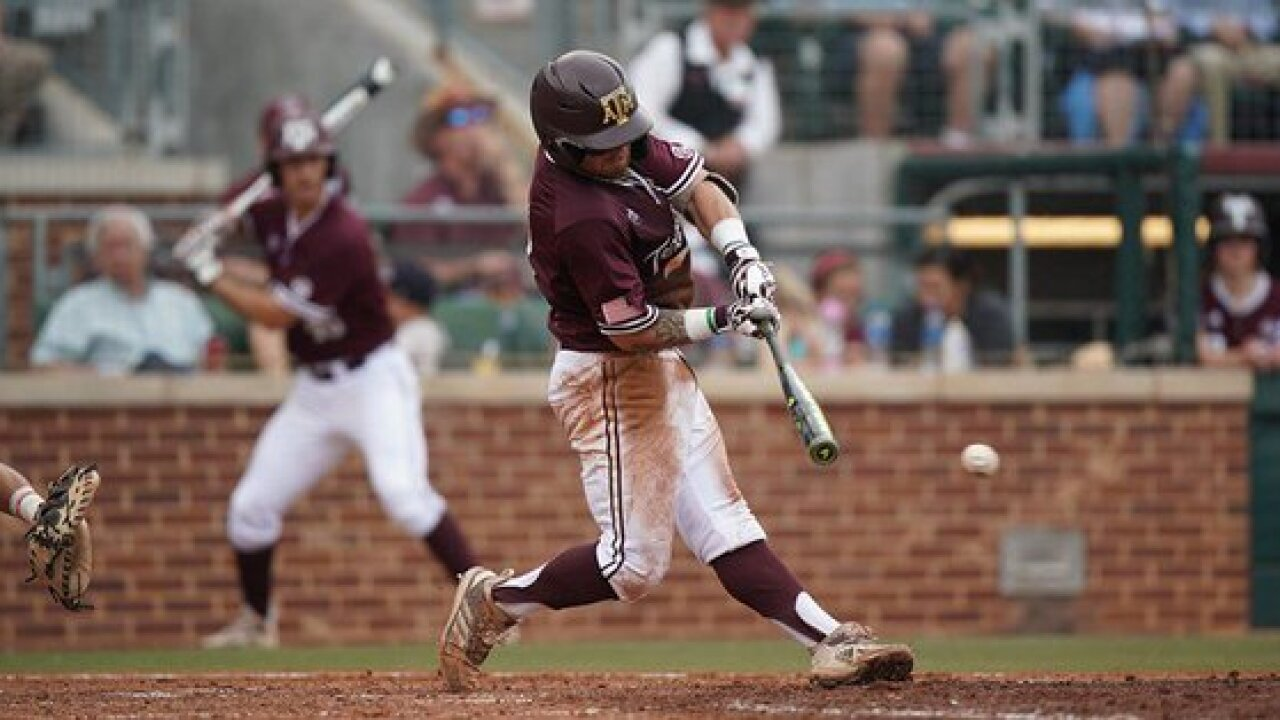 TEXAS A&M BASEBALL DOWNS ARKANSAS.jpg