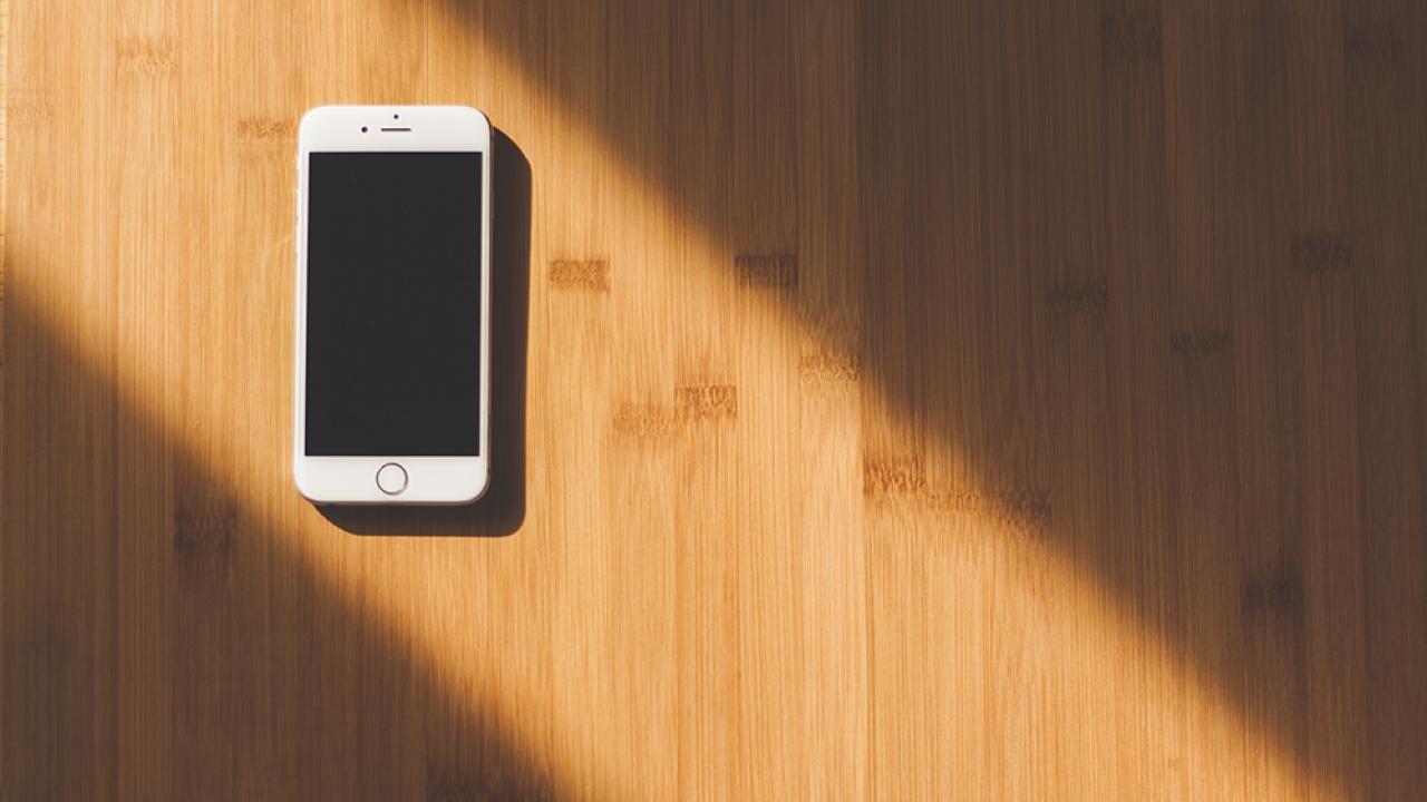 iPhone-PEXELS-2016.png