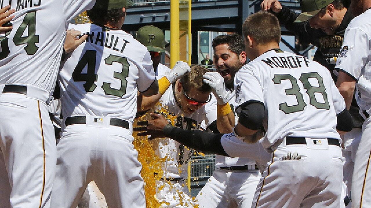 Corey Dickerson's disputed homer lifts Pirates over Tigers