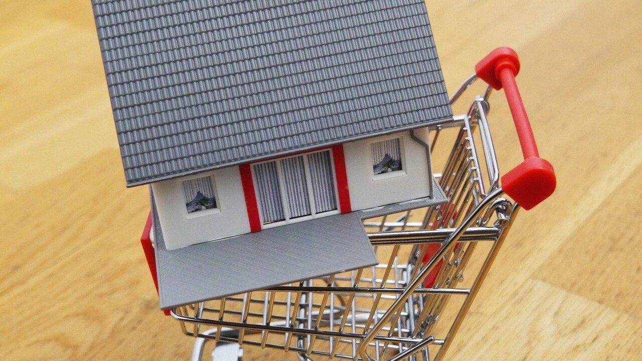 house-for-sale-4503756_1280.jpg