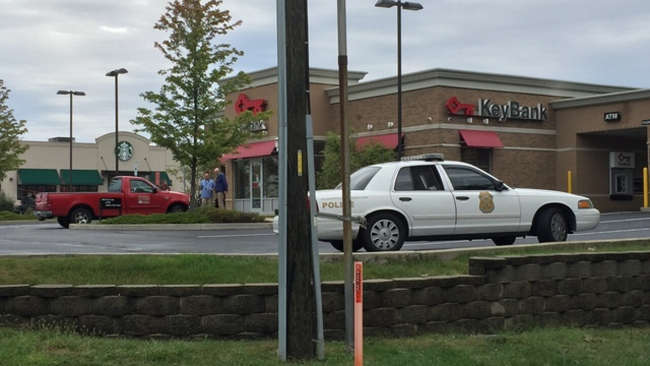 Police searching for suspect in bank robbery on Indianapolis