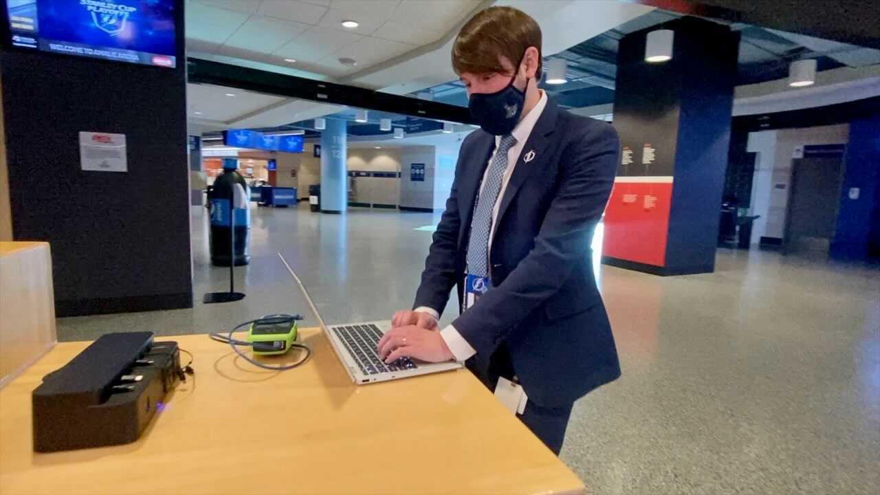 lightning employee makes masks (1).jpg
