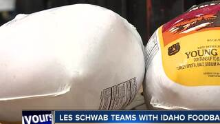 Les Schwab teams up with Foodbank for annual turkey drive