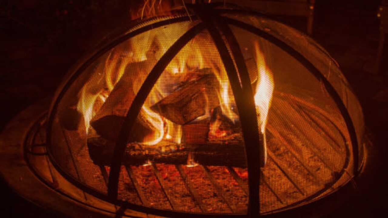 Buy Scented Fire Logs That Smell Like Bacon, Coffee, Fried Chicken And More