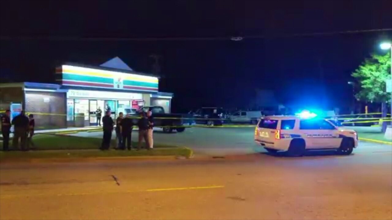 Customer kills one of two people trying to rob Virginia Beach 7-Eleven, policesay