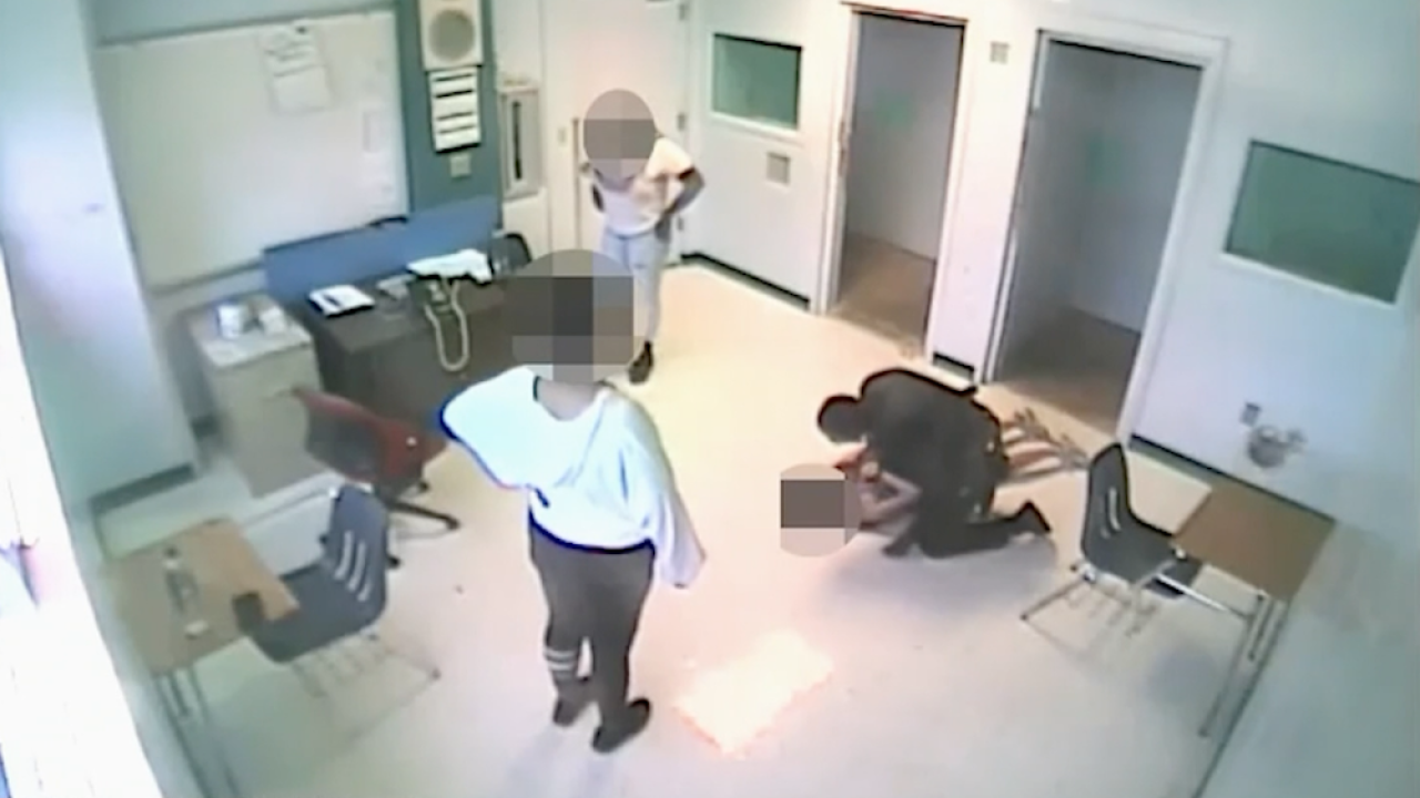 Florida sheriff's deputy charged with child abuse after video shows him body slam student