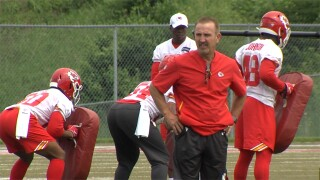Steve Spagnuolo at Chiefs practice