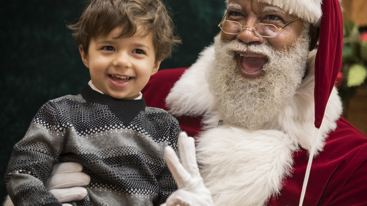Hiring of black Santa stirs backlash against mall