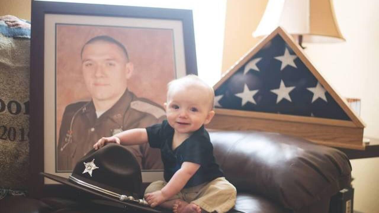 Photos: Noah Koontz helps honor his dad