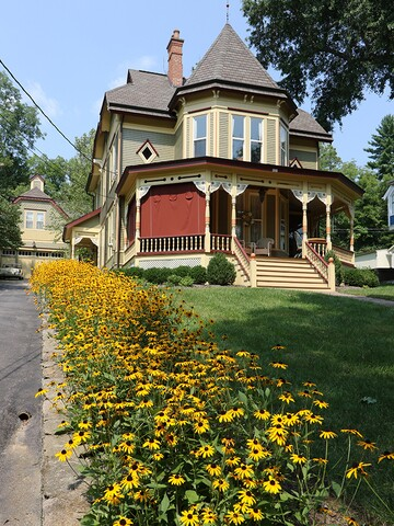 Home Tour: This Queen Anne Victorian in Milford exudes historic charm
