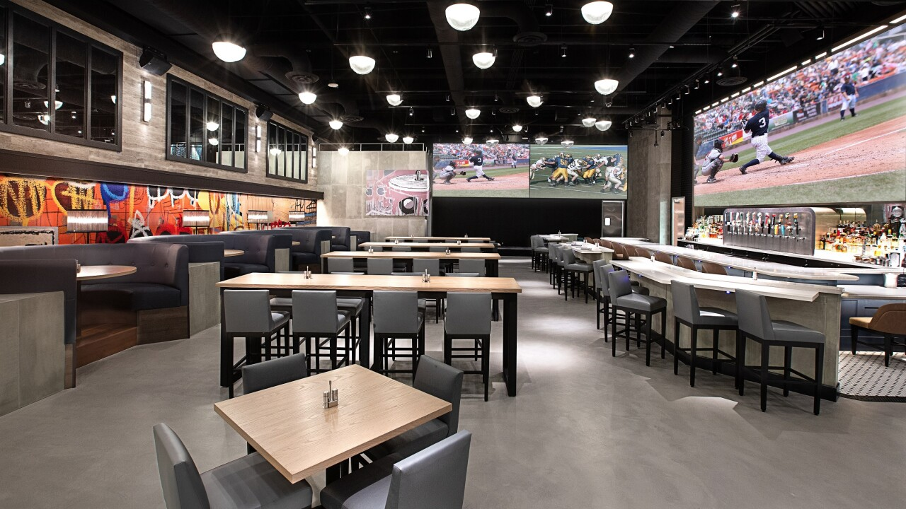 PT's Wings & Sports Interior, Courtesy of Golden Entertainment, Inc..jpg