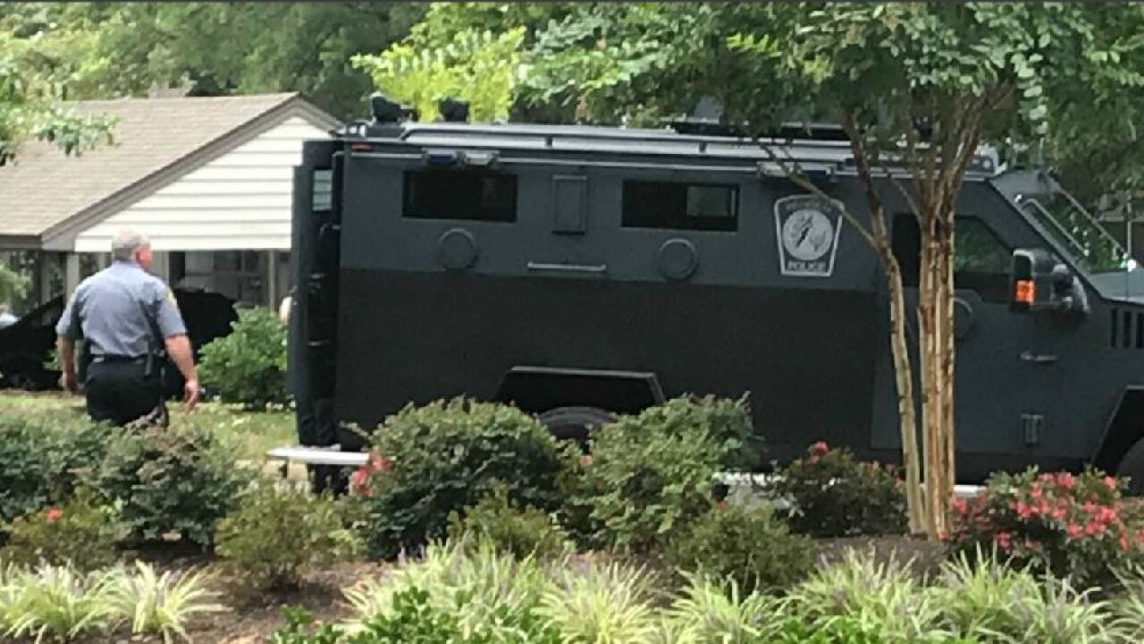 Large Henrico Police presence at West End apartmentcomplex