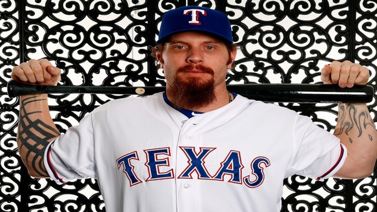 Knee surgery takes Josh Hamilton out this season
