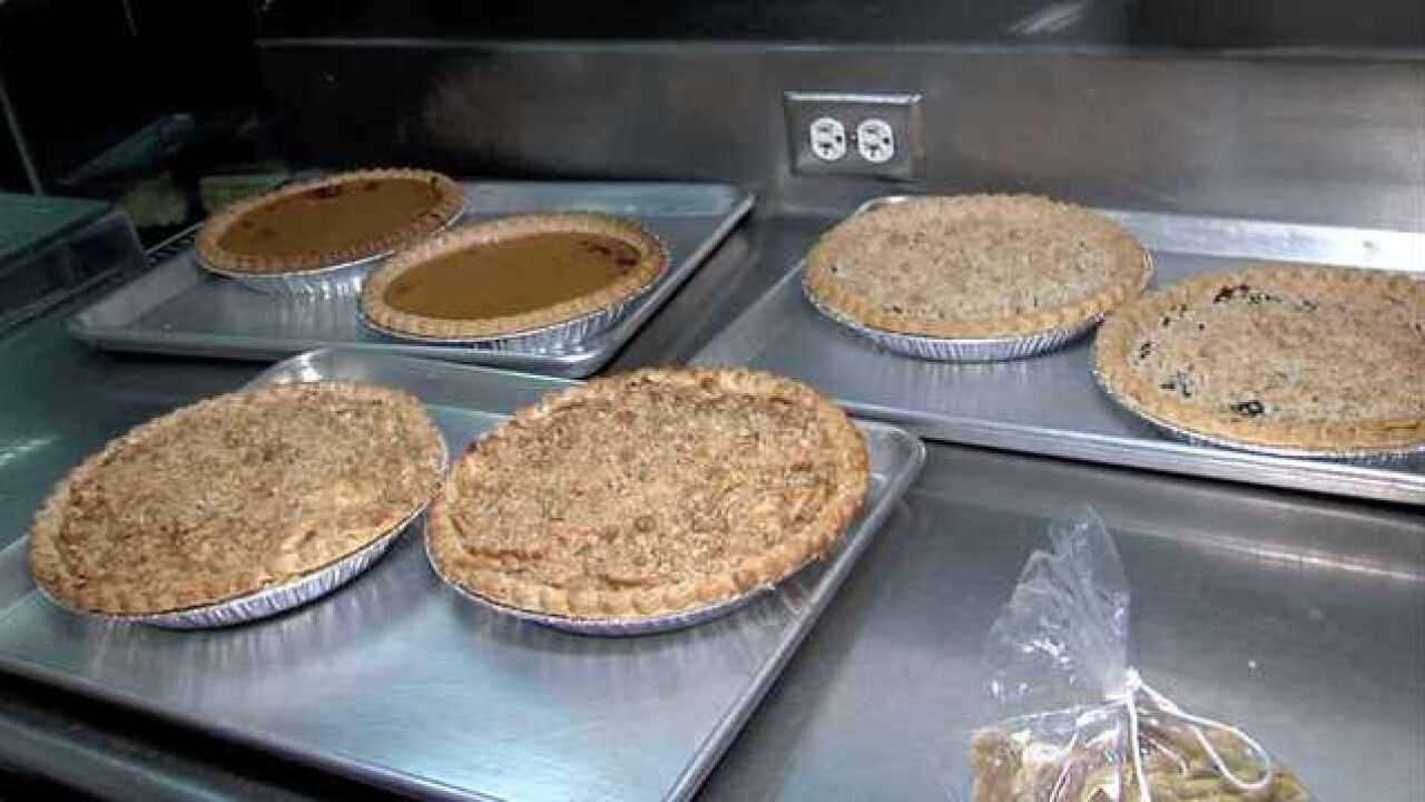 Thanksgiving 5K Preparations start with Pie