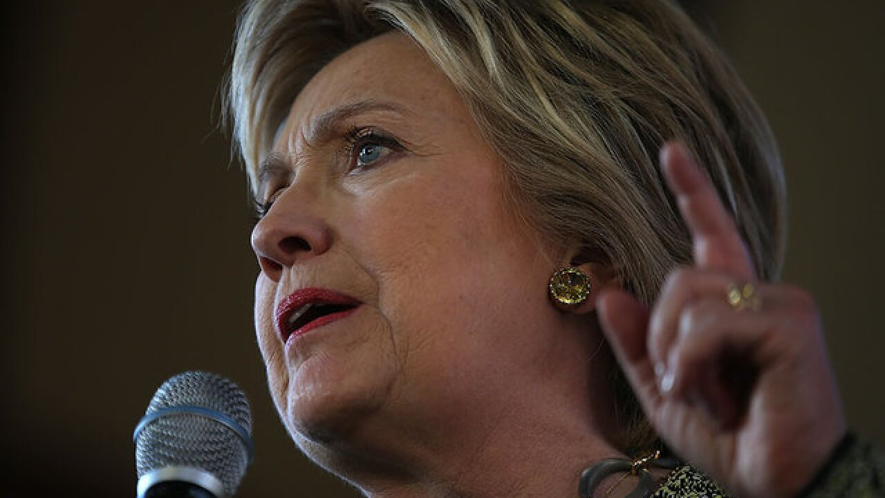 Clinton emphasizes gender in N.Y. campaign