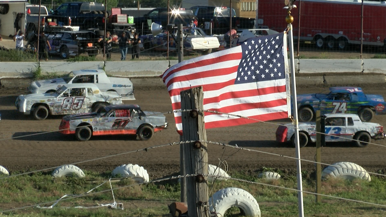 Father and son share racing bond at Electric City Speedway
