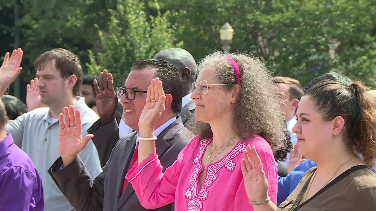 Richmond welcomes nearly 100 new Americans during July 4 naturalizationceremony