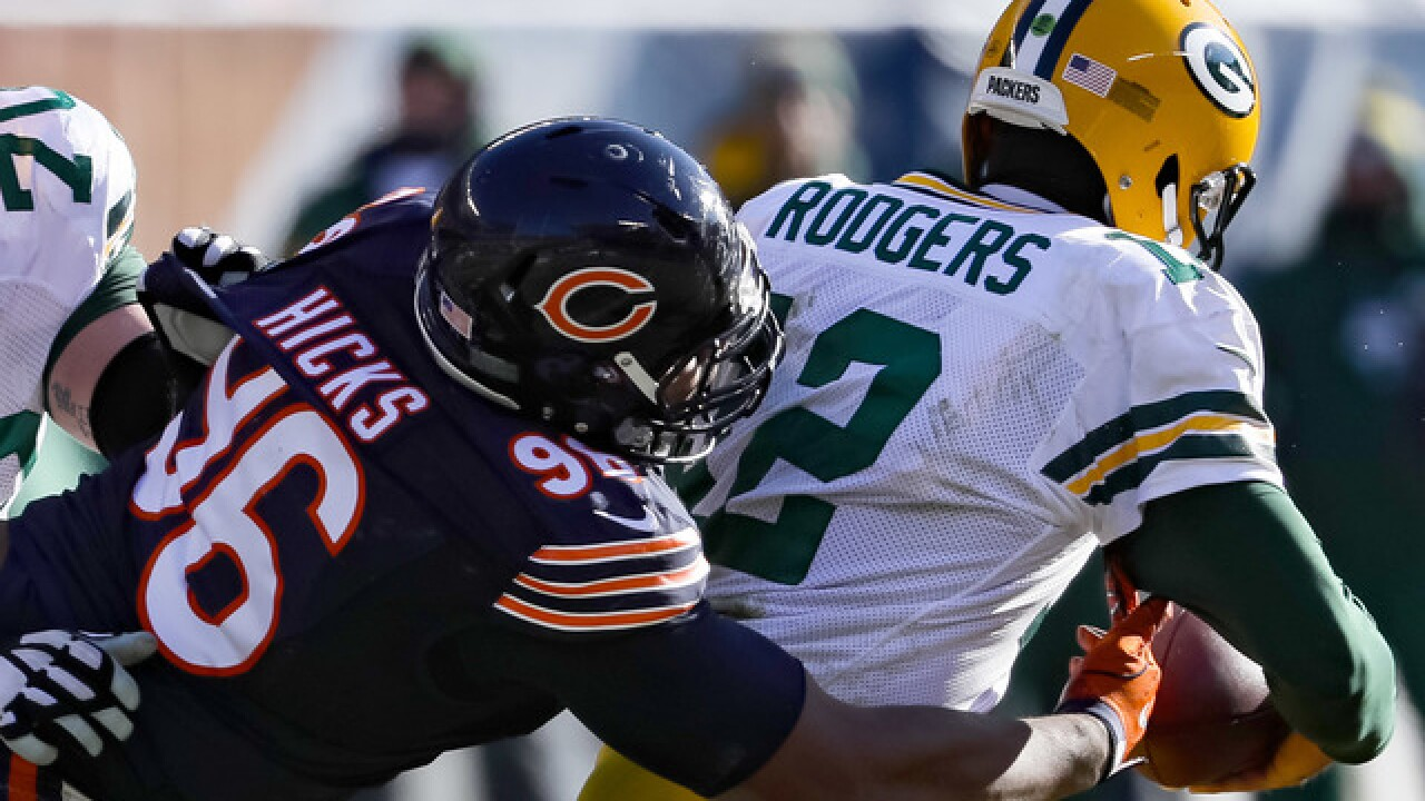 Bears' Akiem Hicks trash talks ahead of Packers-Bears matchup
