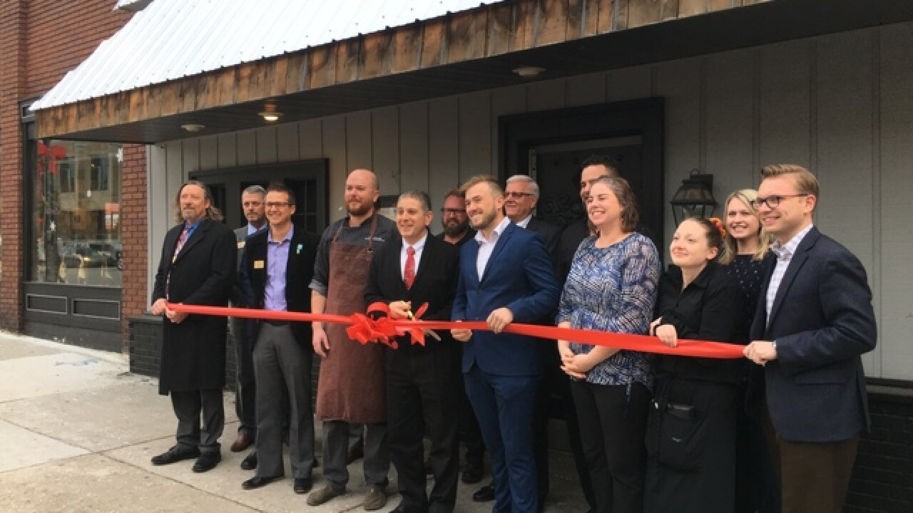 Bowdies Chophouse hosts ribbon cutting event at new Lansing location