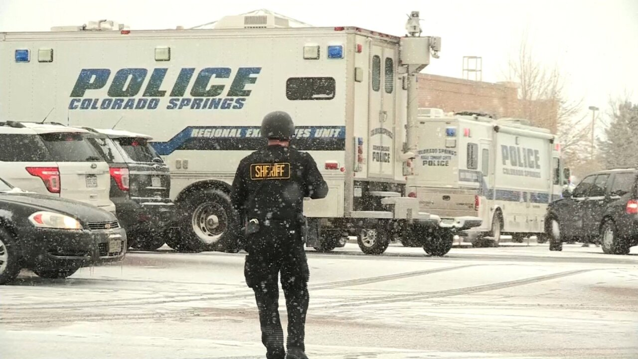 Colorado Planned Parenthood shooting: 3 dead, suspect captured