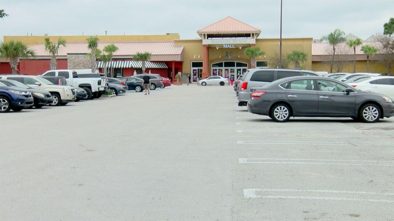 wptv-boynto-beach-mall.jpg