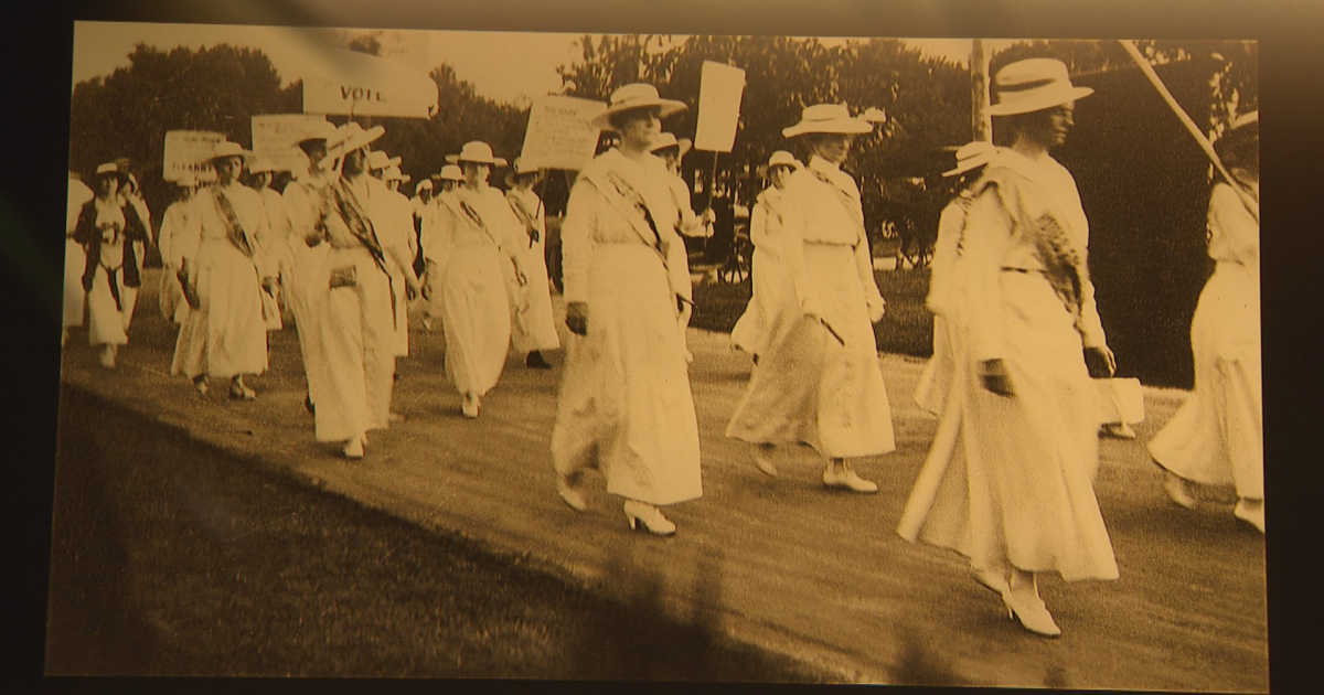 Exhibit honoring women's suffrage unveiled at Hermitage Hotel