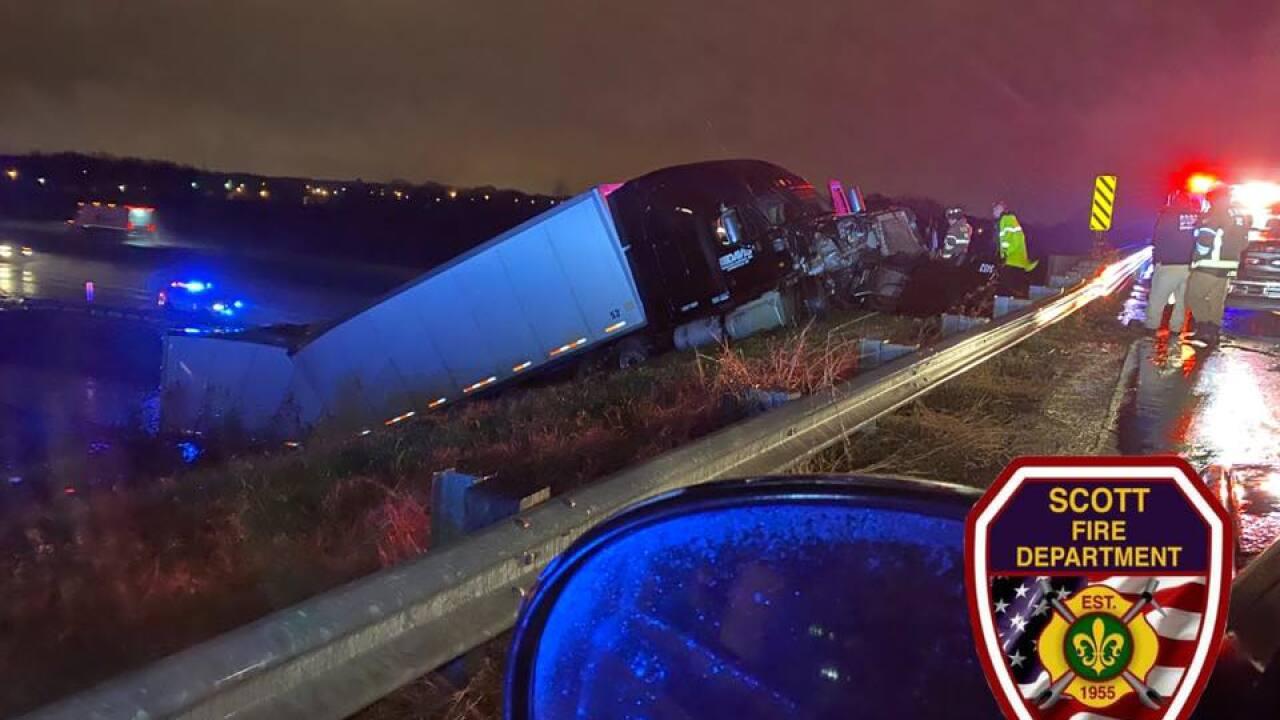 tractor trailer crash I-10 West at Mills (2).jpg