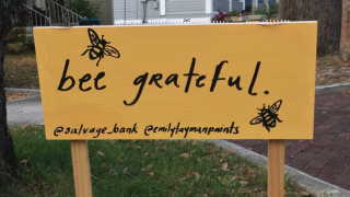 bee grateful sign in Tarpon Springs