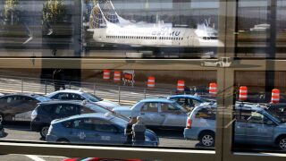 AAA: A record-breaking 112.5 million holiday travelers will be hitting the skies, roads and rails
