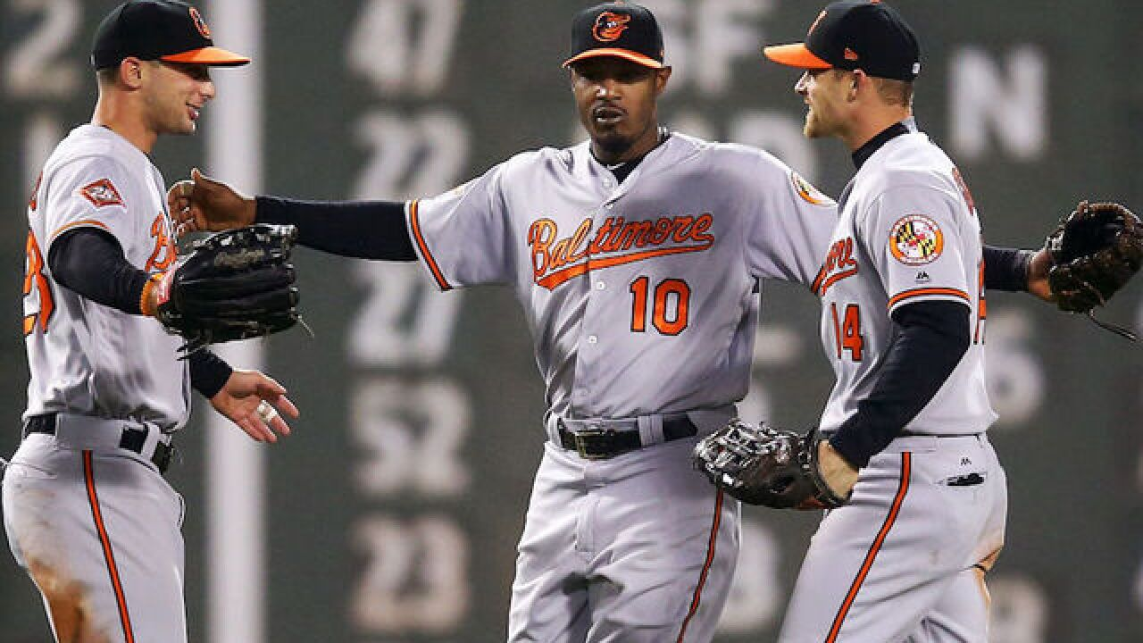 MLB All-Star Adam Jones faces racist taunts, objects thrown during game in Boston