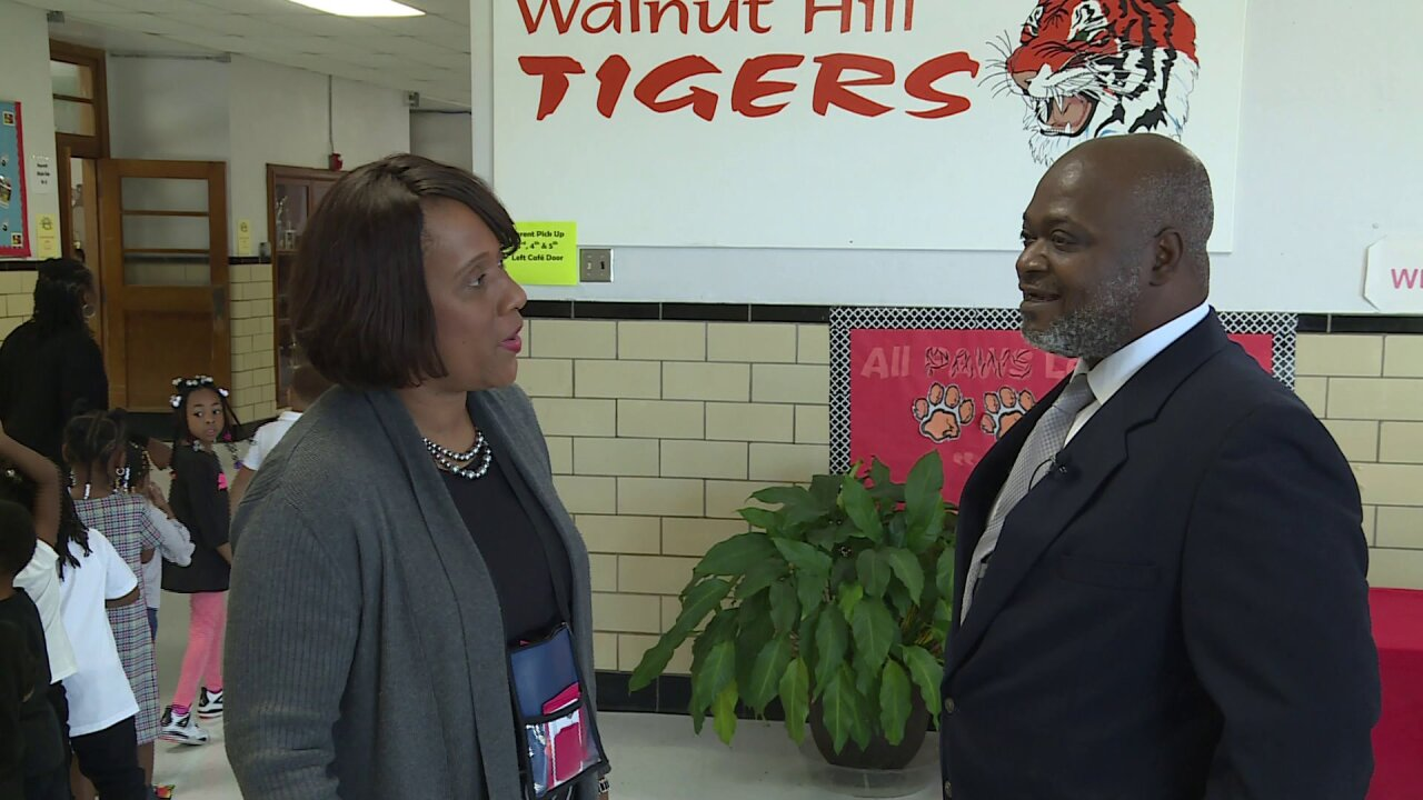 How this police school liaison is working to build relationships inPetersburg