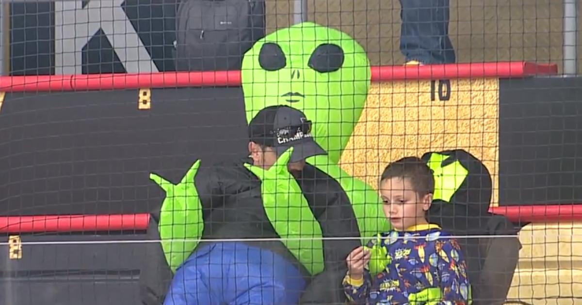 Vegas Golden Knights fans catch alien fever