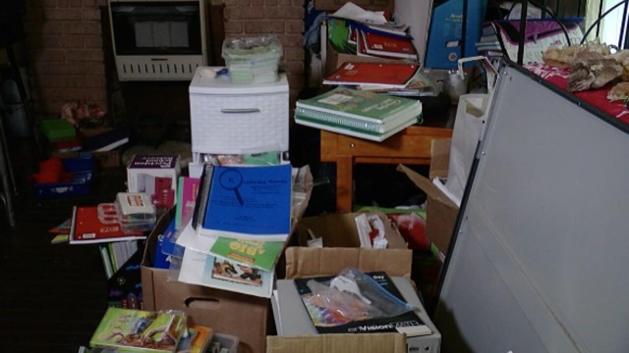 Mom finds $9K in school supplies in dumpster
