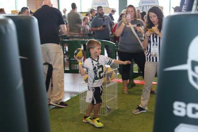 Packers tailgaters come out in full force for Family Night at Lambeau Field