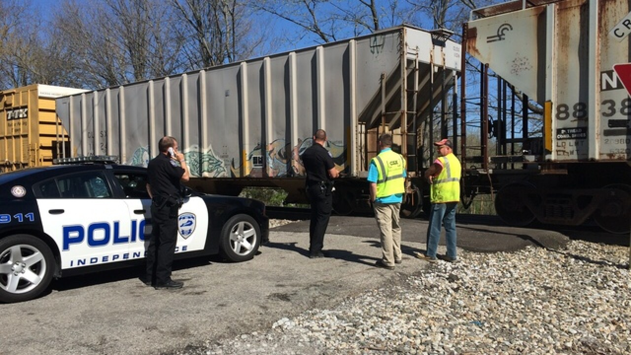Man slams truck into train in Independence, Ky.