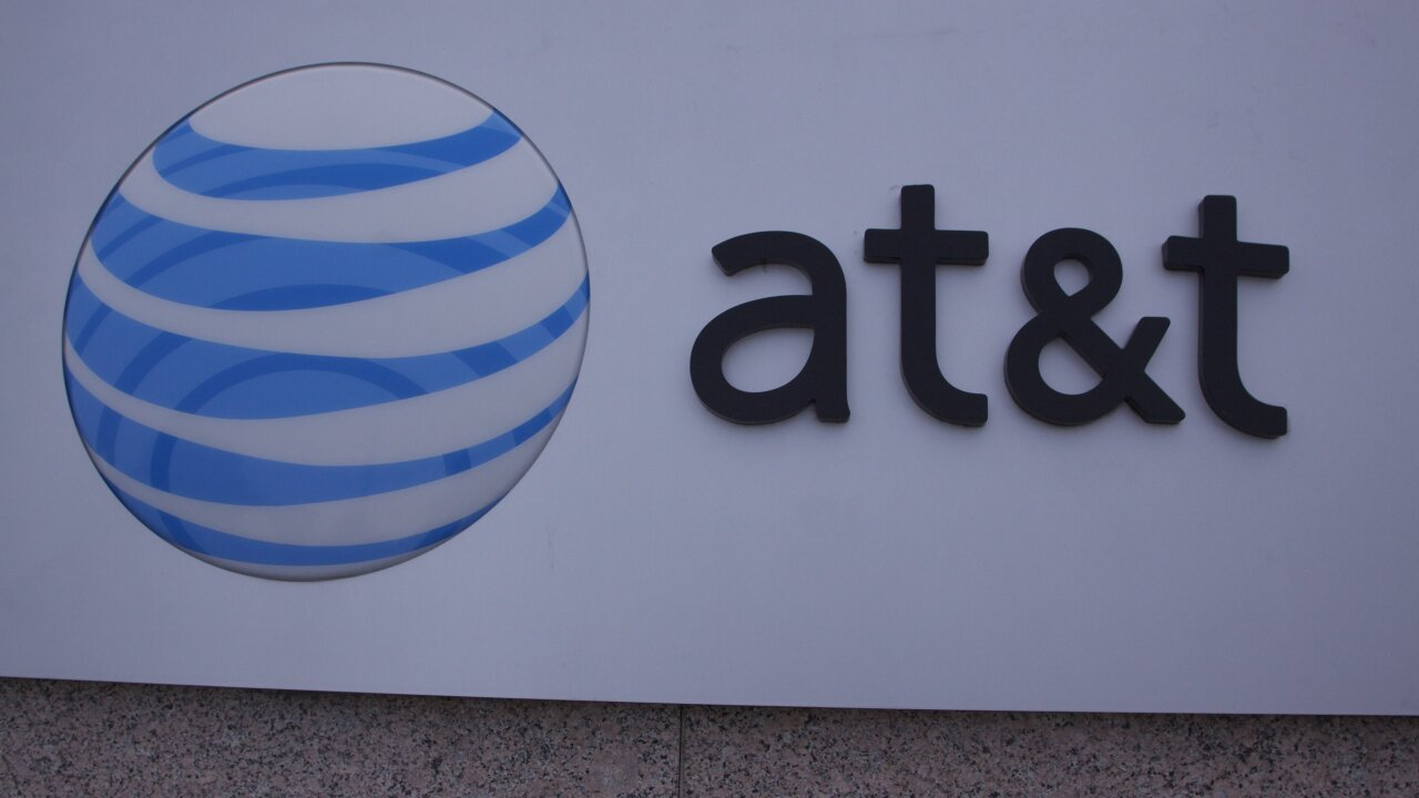 AT&T turns on Wi-Fi Calling for iPhone users