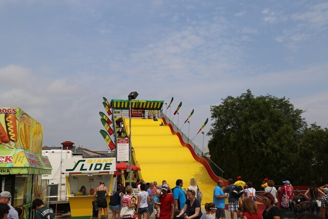 Rain, cricket nachos, and more mark Day 1 of the State Fair