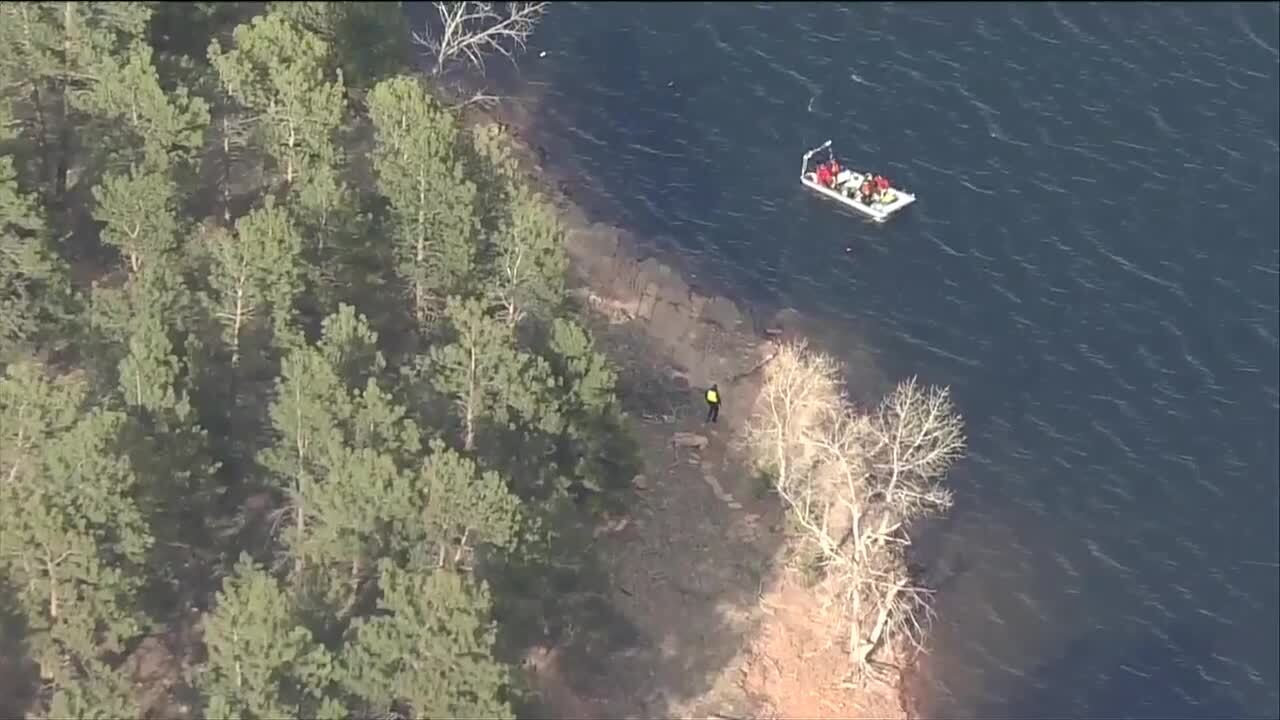 Search for missing kayaker on Carter Lake
