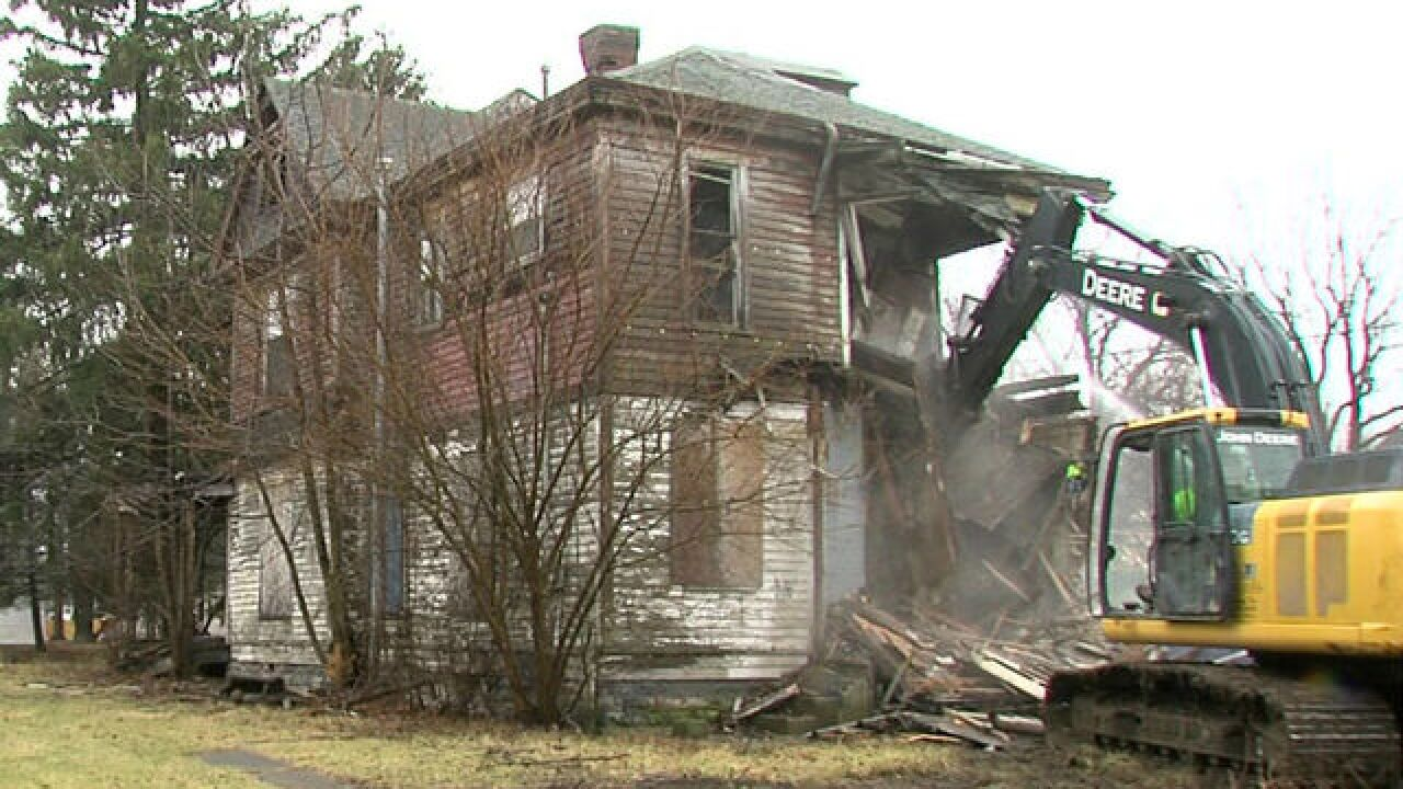 Anderson tearing down homes to build up city