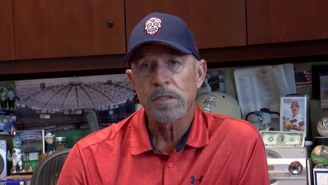 Retiring Hooks general manager Ken Schrom