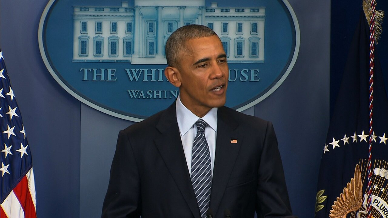 Obama commutes 330 sentences, most in single day