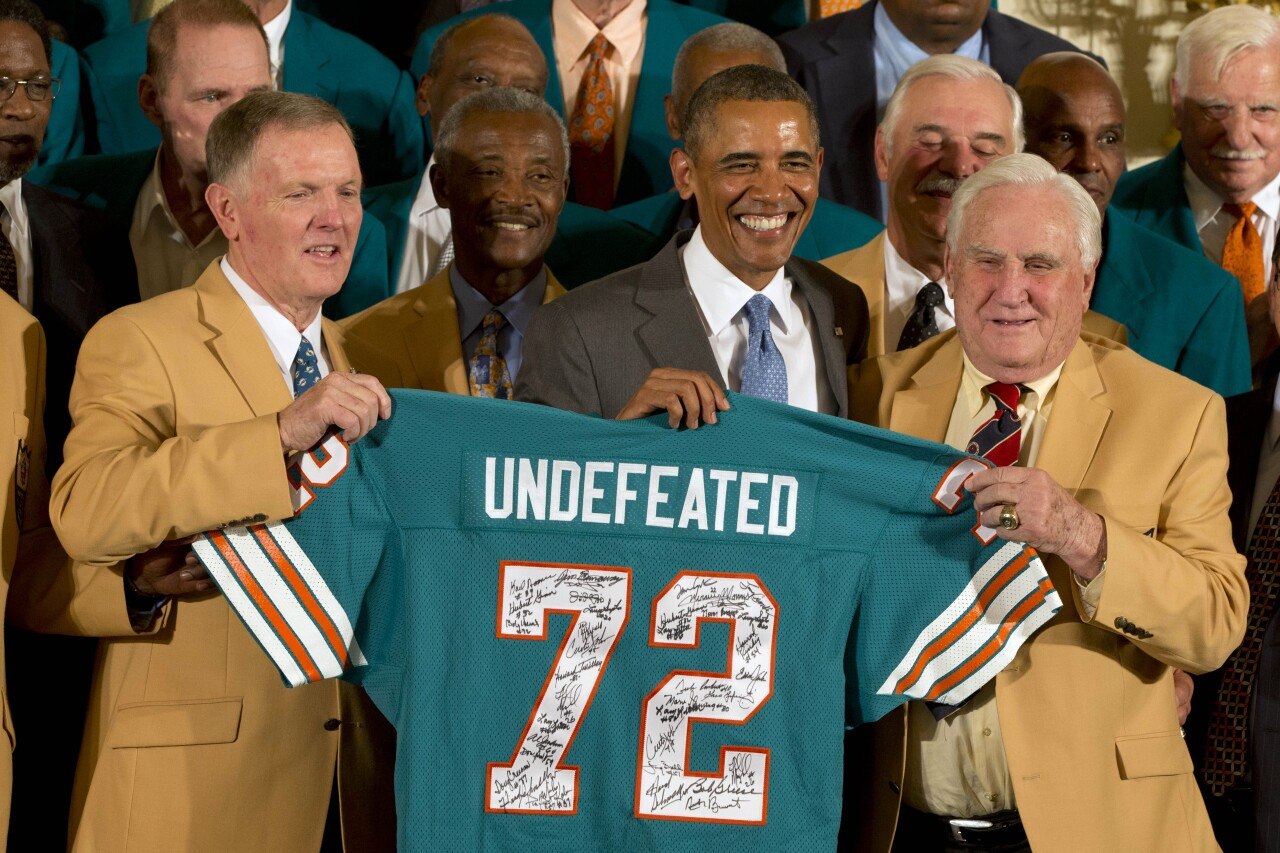 Barack Obama, Don Shula, Bob Griese, Larry Csonka, Paul Warfield celebrate undefeated Miami Dolphins in 2013