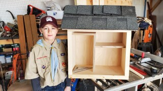 East Helena Boy Scouts build little libraries