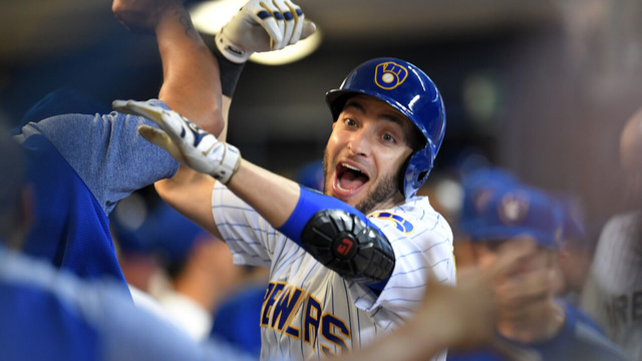 Brewers beat Tigers to keep pace with Cubs