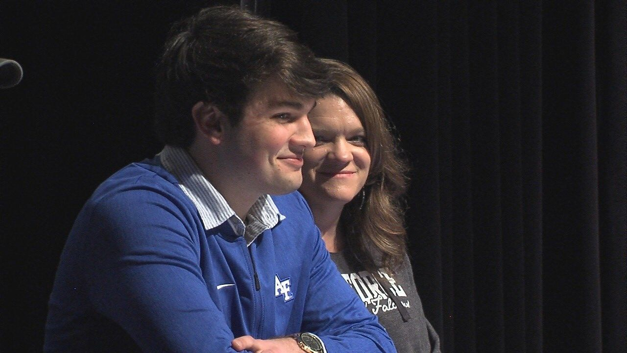 National Signing Day '19: local athlete signing list