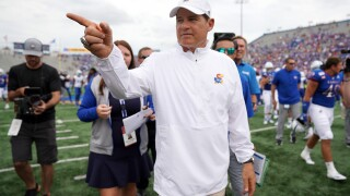Kansas head football coach Les Miles tests positive for COVID-19