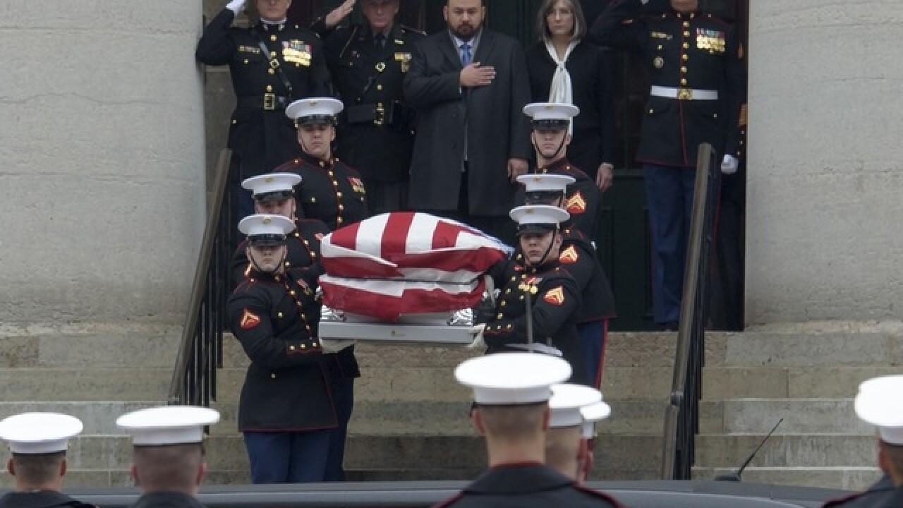 Thousands mourn John Glenn, an American hero