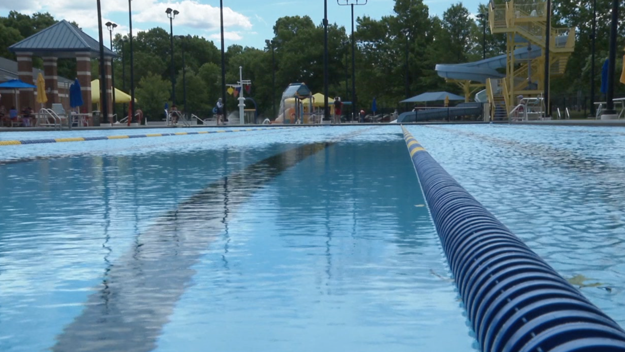 Doctors share do's and don'ts of visiting public pools during the coronavirus pandemic