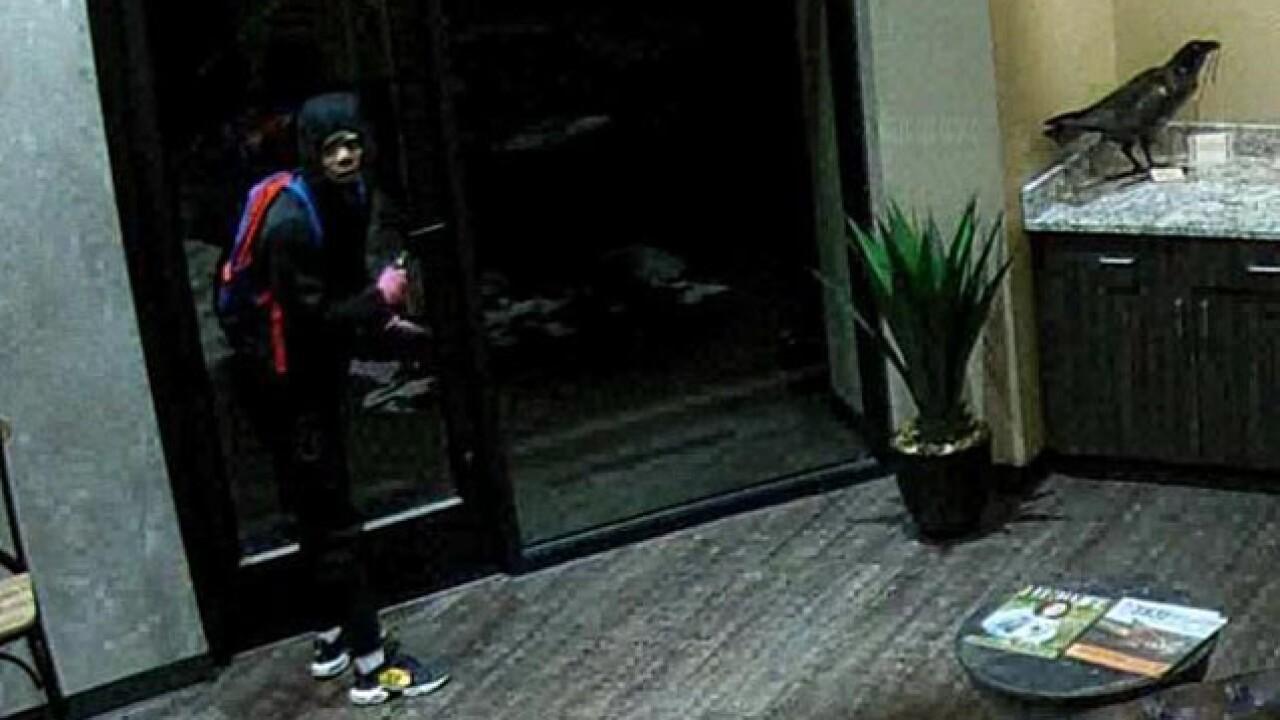 More than a dozen guns stolen from KCK retailer