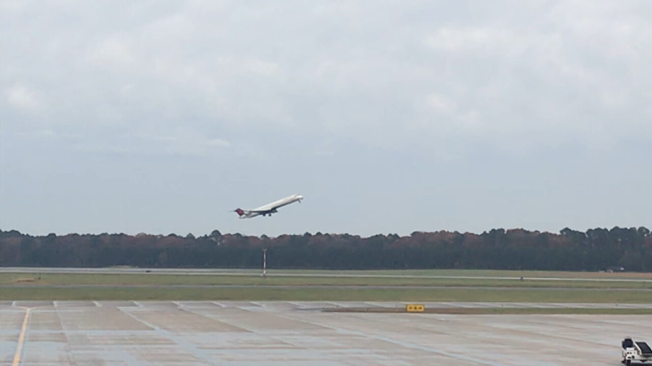 No lines or crowds at local airports surprises Thanksgivingtravelers